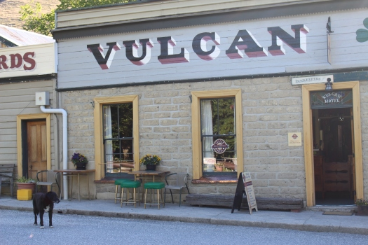 The history of the Vulcan Hotel allegedly accommodates ghosts!